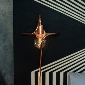 With a vintage style, the Cu 140 Copper Wall Lamp creates a delicate and graceful look to your space.