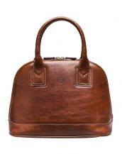 Handmade from vegetable tanned leather, the Rosa classic style handbag is designed for the timeless and elegant lady.
