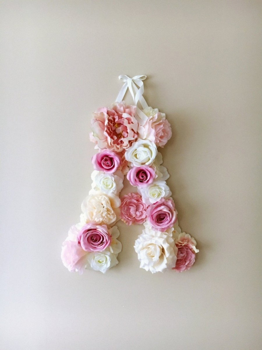 Flowers are one of the most common decoration items for events such as weddings and are also used for the occasions like anniversaries and birthdays.