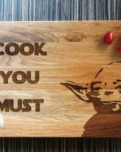 Ideal for use as a small chopping, the Personalised Cutting Board Star Wars makes a beautiful centrepiece for your table.