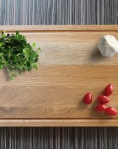 Ideal for use as a small chopping, the Personalised Cutting Board I Love Mom makes a beautiful centrepiece for your table.