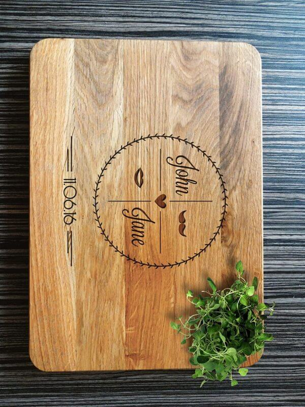MSDAKD010 – Personalised Cutting Board Housewarming Gift – 3