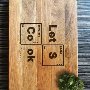 Ideal for use as a small chopping, the Personalised Cutting Board Let's Cook makes a beautiful centrepiece for your table.