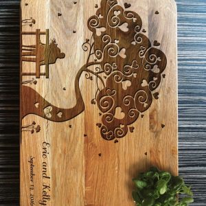 Ideal for use as a small chopping, the Personalised Cutting Board - Wedding Tree makes a beautiful centrepiece for your table.