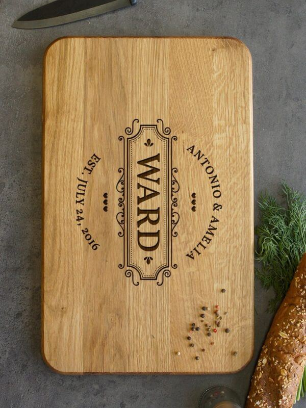 MSDAKD019 – Personalised Monogrammed Cutting Board – Ward – 4