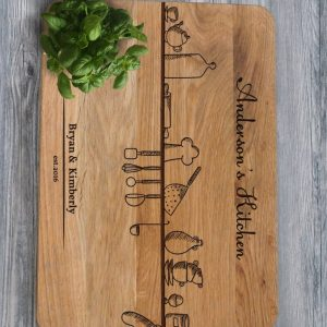 Ideal for use as a small chopping, the Personalised Cutting Board - Kitchen Decor makes a beautiful centrepiece for your table.