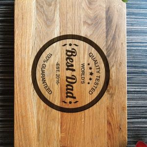 Ideal for use as a small chopping, the Personalised Cutting Board - World's Best Dad makes a beautiful centrepiece for your table.