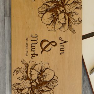 Available in A4 and A5 size, the Personalised Wedding Guest Book - Flower is a beautiful Wedding Guest Book made of wood that will accurately keep your memories about this special day.