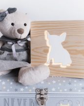 With a delicate warm light to bring a lot of joy and coziness to the child's room, the Bulldog Nursery Lamp will comfort your little one when falling asleep or to join them during sleepovers or to decorate their room.