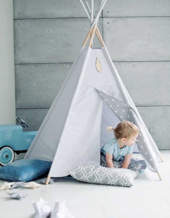 A perfect hideaway for tiny people, the Grey Sky Children's Play Teepee gives your little one the space they need to let their imagination flow.
