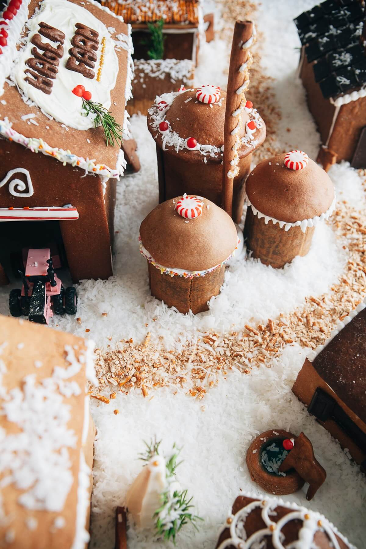 Would you like to spend some time this Christmas decorating gingerbread houses with the children but don't have time to bake your own gingerbread?