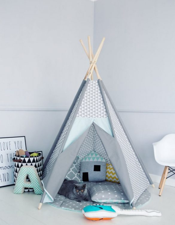A perfect hideaway for tiny people, the Frosty Children's Play Teepee gives your little one the space they need to let their imagination flow.