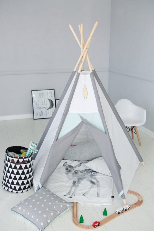 Frosty Plain Children's Play Teepee
