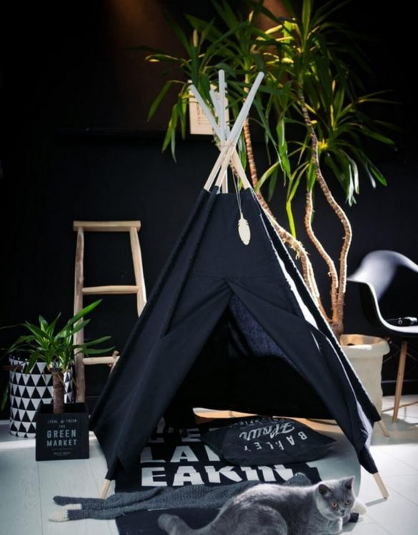 A perfect hideaway for tiny people, the Pure Black Children's Play Teepee gives your little one the space they need to let their imagination flow.