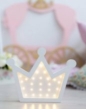 With a charming design, the Crown Wooden Night Light provides a reassuring glow for your little one, making it perfect for a nursery or kids room nightlight, or an interesting addition to any other space.