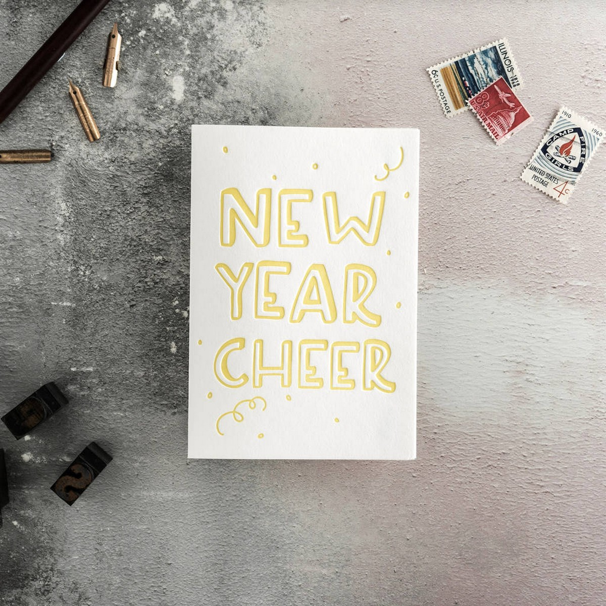 Say Goodbye to 2017 and welcome 2018 with these beautiful new year greeting cards.