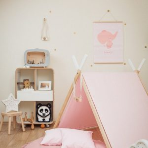 Perfect for girls and boys, the Pink Kids' Playhouse Set is a stunning keepsake play tent - ideal for pretending afternoon tea parties, picnics, and role-playing games.