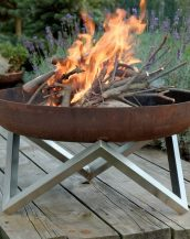 With a contemporary design, the Yanartas Outdoor Fire Pit makes a striking focal point to any outdoor space, perfect for anyone who enjoys the al fresco lifestyle.