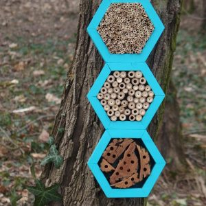 Designed to look wonderful in a garden, the Bee Superior Hotel Turquoise is an ideal gift for a gardener or a wildlife enthusiast as well as anyone with a garden who is interested in garden design.