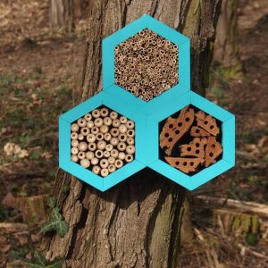 Designed to look wonderful in a garden, the Bee Triangle Hotel Turquoise is an ideal gift for a gardener or a wildlife enthusiast as well as anyone with a garden who is interested in garden design.