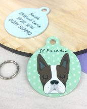 A lovely little gift for a pet owner or a stocking filler, the Boston Terrier Personalised Pet Name Tag provides the ideal accessory for your beloved pets.