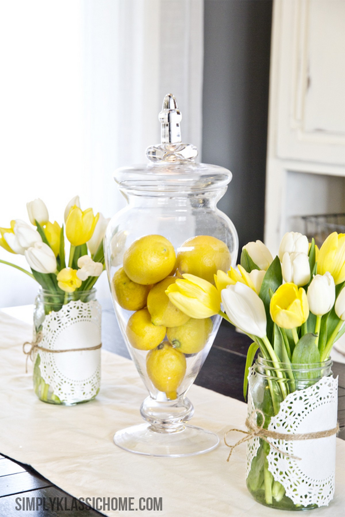 We all love the freshens of this holiday and the colorful Easter egg crafts and chocolate treats.