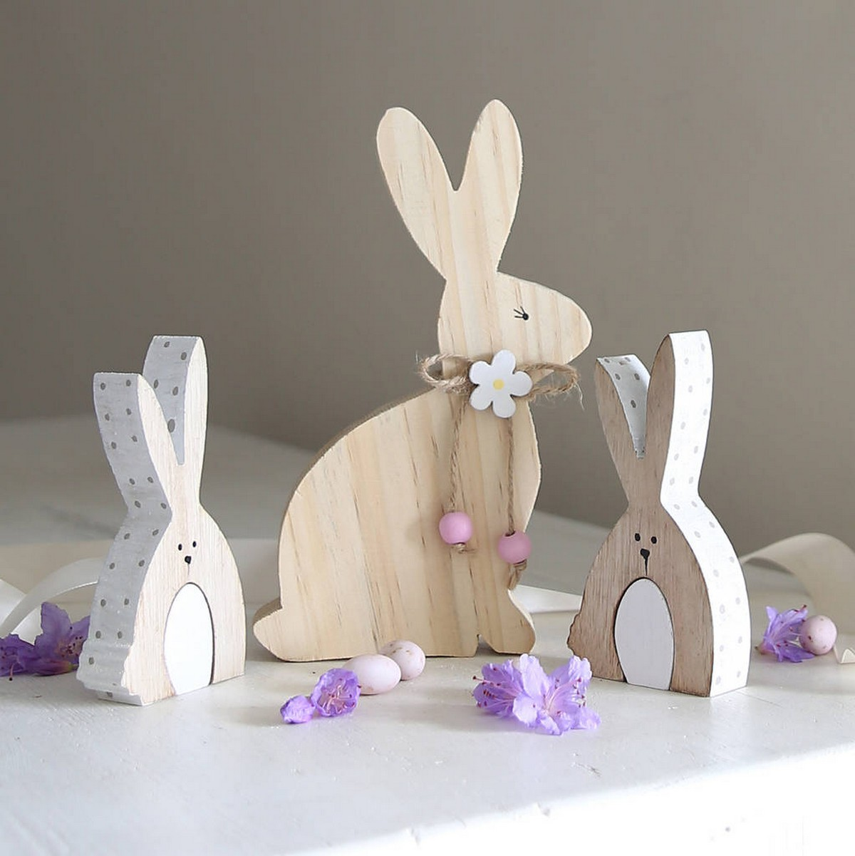 Easter is coming and with it comes visions of warmer weather, spring colors and loads of decorations.