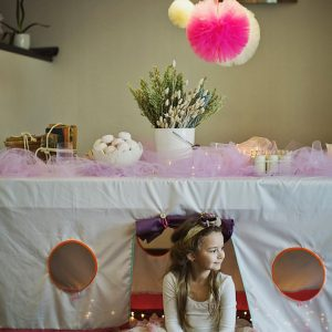 Perfect for any gathering whether it be an early morning breakfast, casual brunch or special occasion, the Pink-Pink Tablecloth Playhouse will seduce the youngest and stimulate storytelling and adventure.