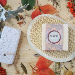 A soothing set to help her feel fabulous, the Mini Turkish Bath Kit is a perfect gift for someone who deserves some proper pampering time! An ideal present for birthdays, mothers day, graduation, Christmas or just because.