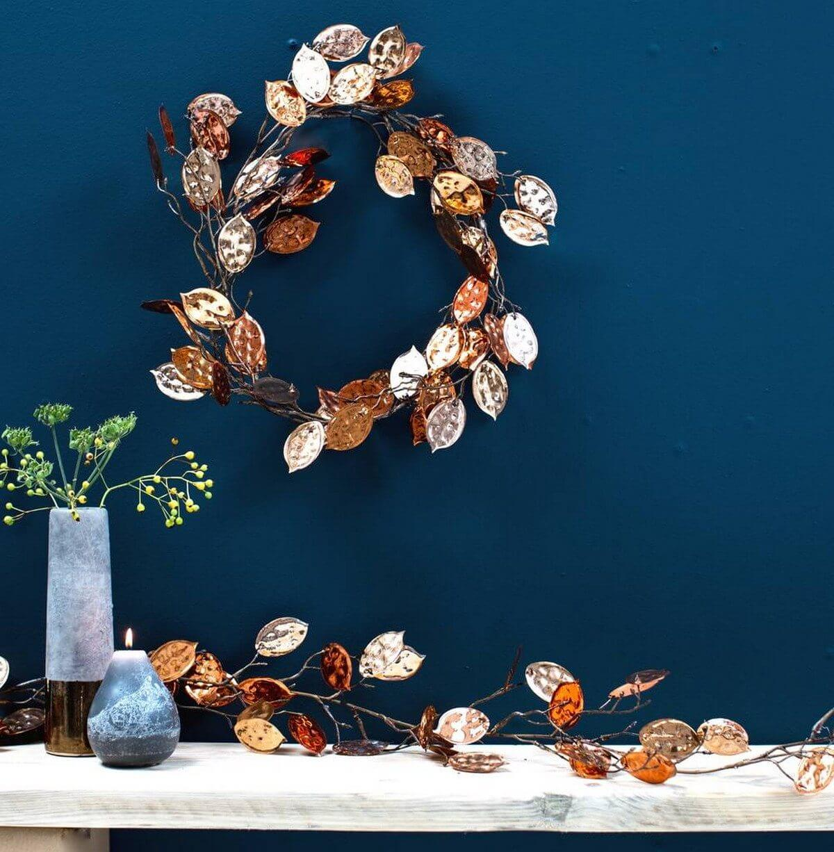 Check out these creative ways to use garlands to spruce up your home for the holidays.
