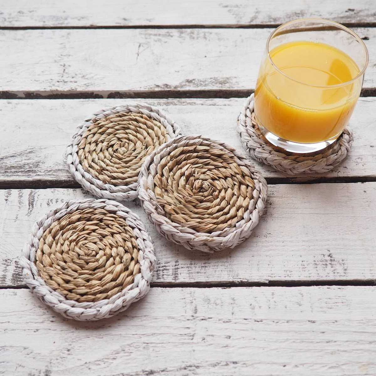 Weaving is extremely popular now, and today we'll have a look at other ways to add weaving to your home decor: potholders, mats, rugs, coasters and other things to bring a slight boho feel to your home.