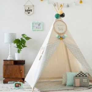 The perfect setting for imaginative play, the Natural & Dots Grey Children's Teepee is as good to look at as to play in. It can easily be used inside your home or in the garden as well as on the terrace.