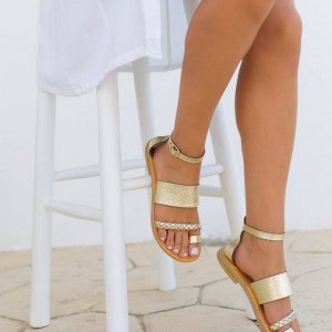 Just what every summer wardrobe needs, the Hera Gold Greek Leather Sandal is every woman's dream pair, super comfy and elegant, and easily combined with any outfit.
