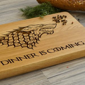 Ideal for use as a small chopping, the Personalised Cutting Board Game of Thrones makes a beautiful centrepiece for your table.