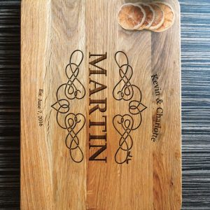 Ideal for use as a small chopping, the Personalised Monogrammed Cutting Board - Martin makes a beautiful centrepiece for your table.