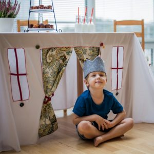 Perfect for any gathering whether it be an early morning breakfast, casual brunch or special occasion, the Cou-Cou Tablecloth Playhouse will seduce the youngest and stimulate storytelling and adventure.