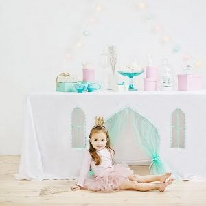 Perfect for any gathering whether it be an early morning breakfast, casual brunch or special occasion, the Frozen Tablecloth Playhouse will seduce the youngest and stimulate storytelling and adventure.