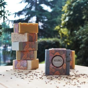 Perfect for both face and body, the Lavender and Olive Oil Soap has the addition of aromatic combinations of pure essential oils and a blend of the finest natural oils to create a nourishing and moisturising lather.