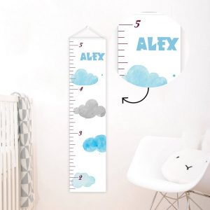 A perfect way to keep track of your little one's growth, the Cloud Personalised Baby Growth Chart will brighten up any child's bedroom as well as provide a fun way to measure height.