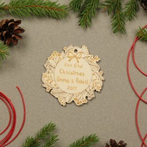 Suitable to be used year after year, the Wreath Couple Gift - Personalised Christmas Ornament will be a unique and beautiful gift for your loved ones.