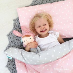 Give your little one's room the 'wow' factor with the Lovely Dots Pink & Grey Children's Bedding Set. A reversible single duvet cover that makes every bedtime adventure children can't wait to begin.