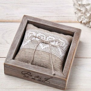 A perfect place to store your rings safely, the Personalised Burlap Pillow Wedding Ring Box would make your wedding day unique to you.