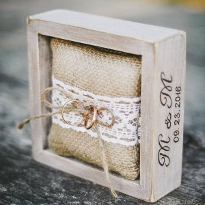 A perfect place to store your rings safely, the Personalised Rustic Burlap Pillow Wedding Ring Box would make your wedding day unique to you.