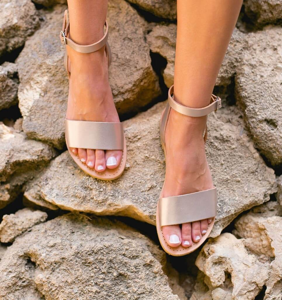 Woman/'s Decorative Sandals
